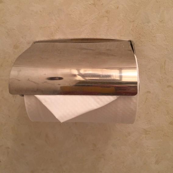 トイレットペーパー三角折りは不衛生?